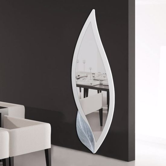 Picture of PINTDECOR PETALO BIANCO ORIGINAL WALL MIRROR PETAL-SHAPED IVORY LACQUERED FRAME WITH EMBOSSED SILVER FOIL DETAILS