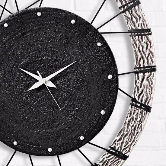 Picture of PINTDECOR RUOTA WALL CLOCK ON STRINGS CONTEMPORARY DESIGN HAND-DECORATED WITH EMBOSSED SILVER FOIL FRAME