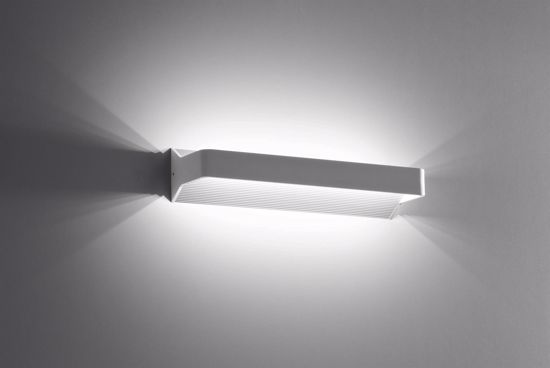 Picture of ISYLUCE 908 RECTANGULAR WALL LAMP LED WHITE
