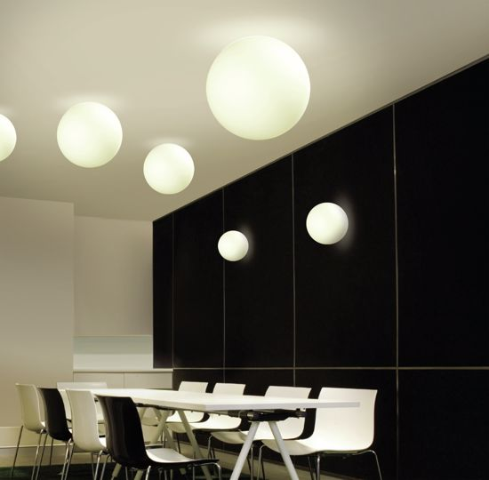 Picture of LINEA LIGHT OH! WALL CEILING LAMP WHITE SPHERE Ø38CM
